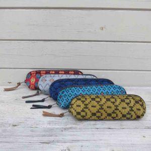 Kleine etui met ingeweven patroon - Camku - rood, grijs, blauw, turkoois en mosterd