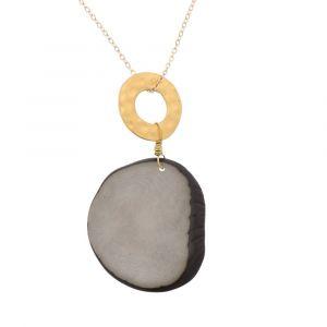 Celeste ketting met hanger van tagua en een goudkleurige ring - grijs