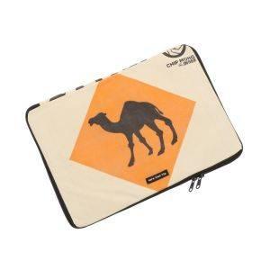 15 inch laptophoes van gerecyclede cementzakken - Manoa - kameel