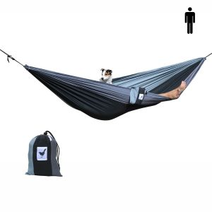 1-persoons (reis)hangmat in zwart met 2 kleuren grijs. Lichtgewicht, sterk én comfortabel